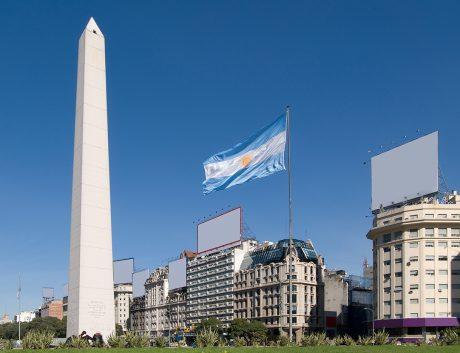 Buenos-Aires-Argentina-Obelisk-Flag_News