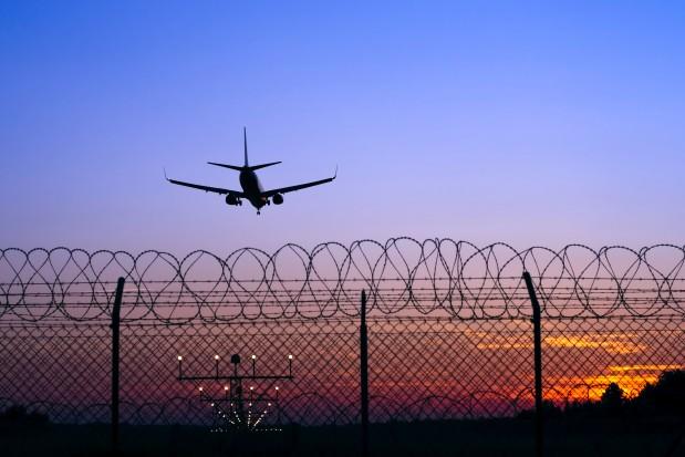 Boeing 787 Landing Airport Sunset