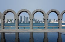 Qatar-Doha-skyline-arches_3
