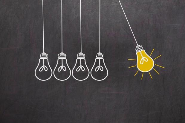 Creativity-Concept-Light-Bulbs-Chalkboard-Ideas-Drawing_News