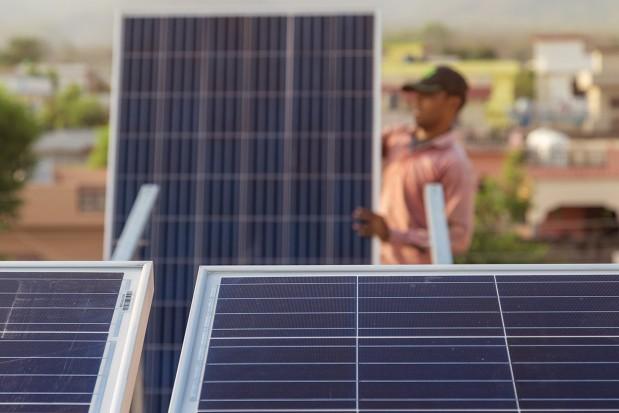 Solar-panel-roof-installation_News